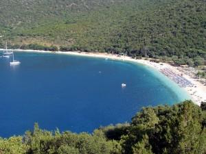 Η πανέμορφη παραλία της Αντίσαμου
