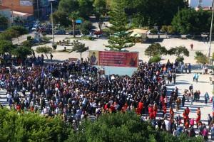 Πλήθος κόσμου συγκεντρώθηκε στη Πλατεία για την υποδοχή του κ. Δημητρίου