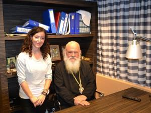 Αναμνηστική φωτό του Αρχιεπίσκοπου κ. Ιερώνυμου με την Γιάννα Κουλουμπή