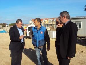 Φωτό από τη συνάντηση του κ. Θ. Γαλιατσάτου και κ. Π. Δρακουλόγκωνα για το Σχολικό Συγκρότημα του Φαράω