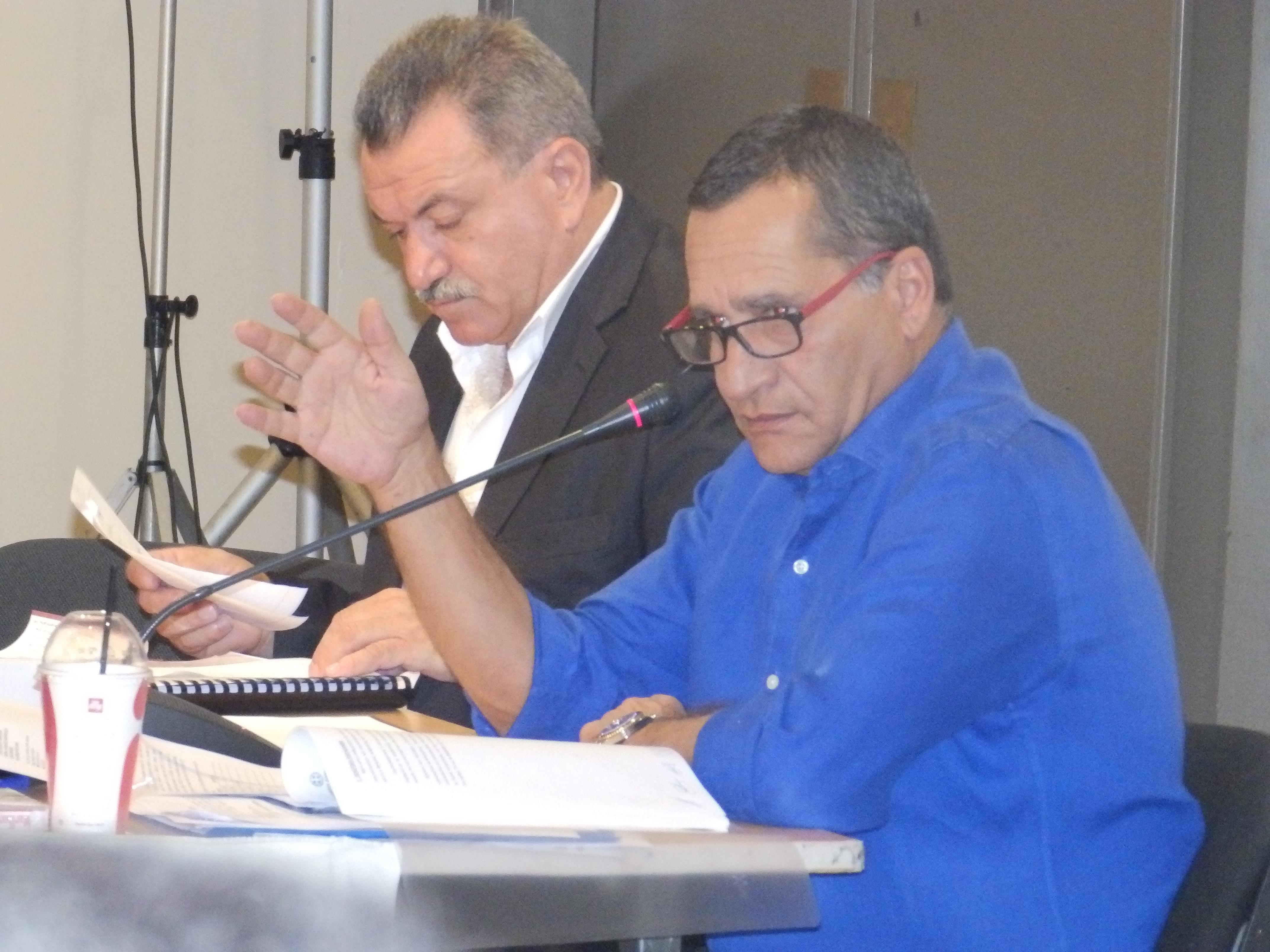 Ο περιφερειάρχης κ. Θ. Γαλιατσάτος και ο αντιδήμαρχος κ. Δ. Λυκούδης