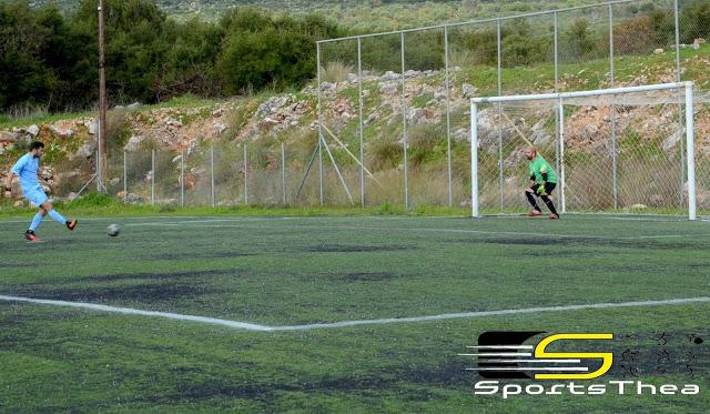 Ο Αλ. Πολλάτος σημείώνει με πέναλτι το 2-0 στον αγώνα Εικοσιμίας-Προόδου 3-0 (Φωτό sportsthea.gr)