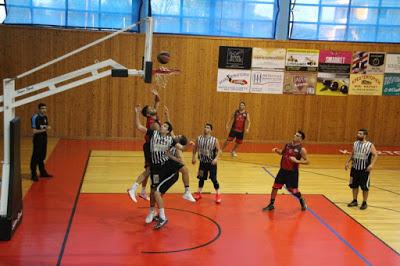 Φάση από το ματς ΝΕΟΛ-ΠΑΟΚ (Φωτό από sportsthea.gr)